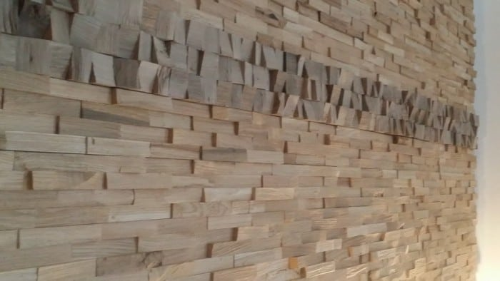 Eichenholzwand-gently-mit-Nussline