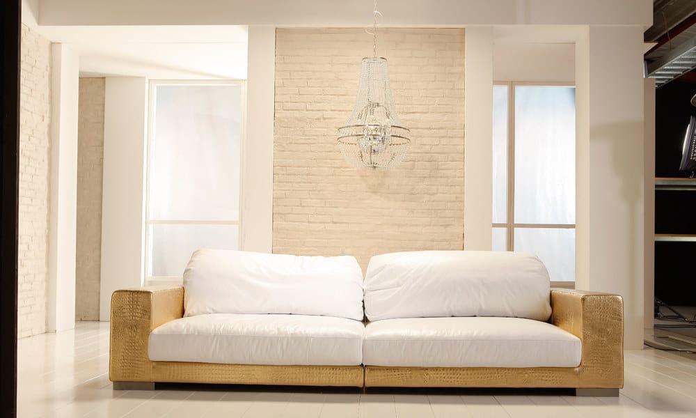 Sofa-mit-weissen-Ziegeln-von-piestone-gemacht-von-den-stonestylern