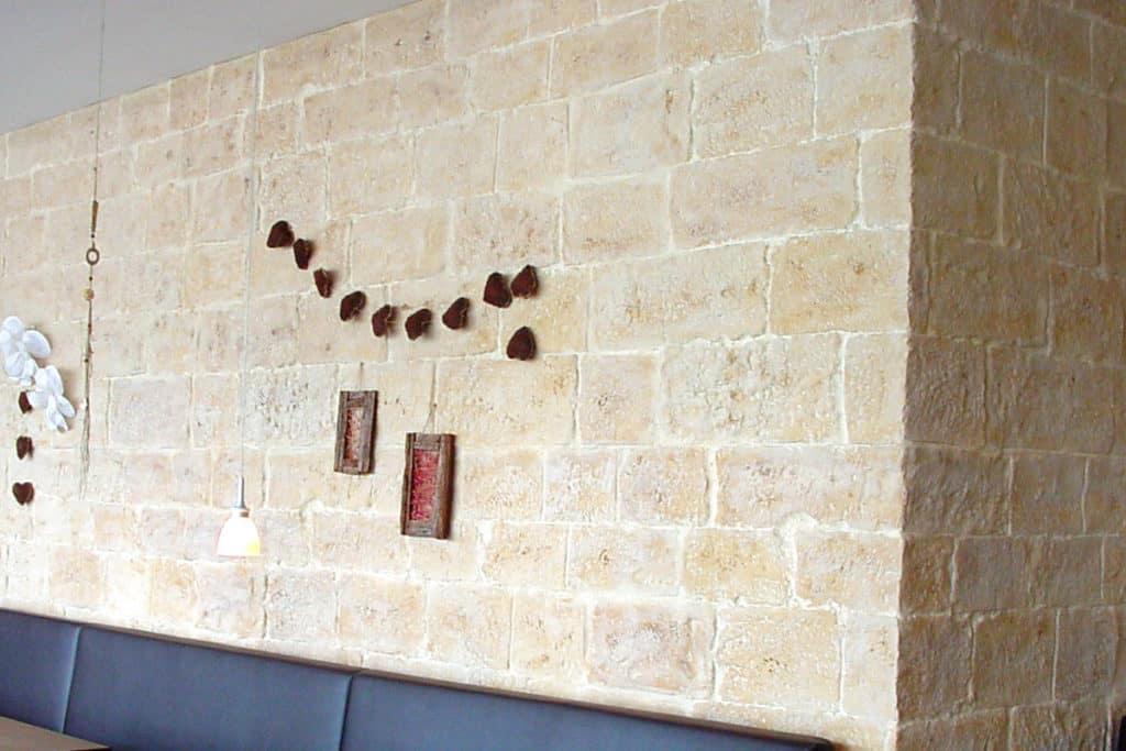 Mostar Steinwand 4