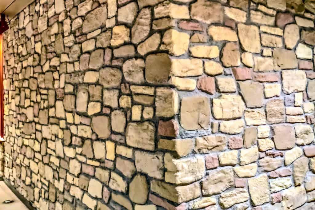 Toskana Steinwand 2
